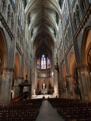 Metz: Kathedrale mit einer Gewölbehöhe von 40m (Berner Münster: 20m). Gewaltig!