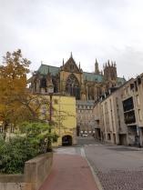 Metz: Die Kathedrale ist riesig.