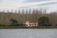 Am Fluss Gave du Pau.