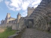 Carcassonne (die Ringe sind ein Überbleibsel einer Installation Felice Varini, konzentrische Kreise)